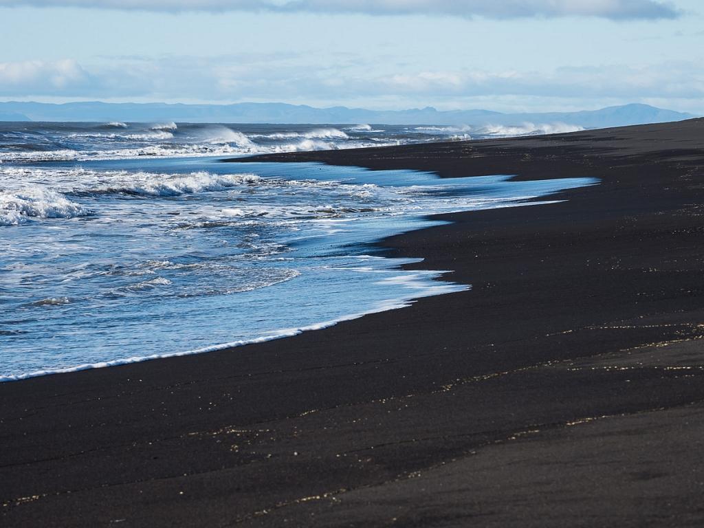2017-09-28-black-beach-256.jpg