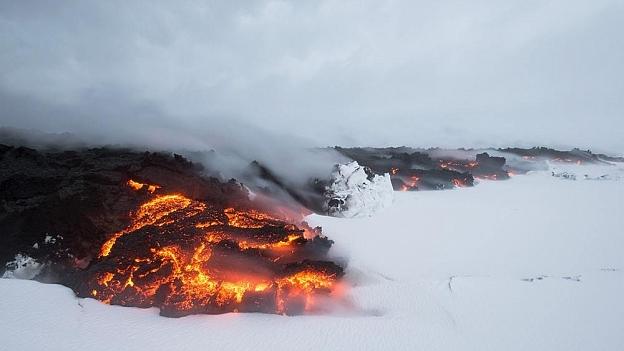 lava-im-schnee.jpg